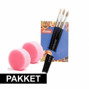 2 schmink sponsjes 3 schmink penselen
